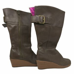 Crocs A-Leigh Leather Wedge Boots Brown